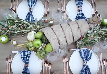 Feast Your Eyes on This Modern Thanksgiving Tablescape