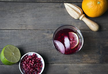 Pomegranate Gin and Tonic Cocktail Recipe