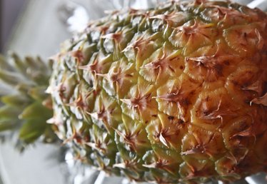 How to Cure Acid Reflux With Pineapple