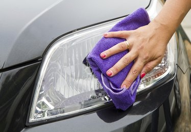 How to Remove Condensation From Headlights