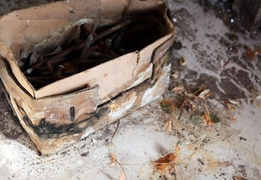 how to get rid of black mold on basement walls