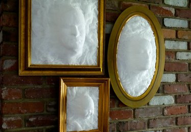 DIY Ghost Face Picture Frame