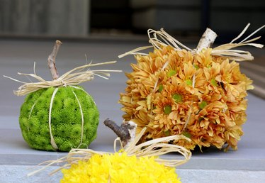 How to Create Seasonal Pumpkin-Shaped Floral Arrangements