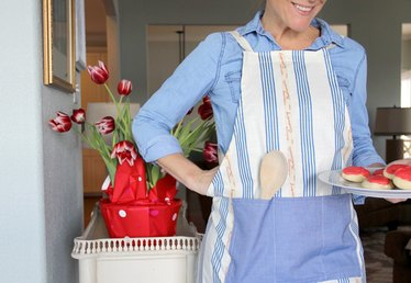 How to Make an Apron (With Free Pattern)