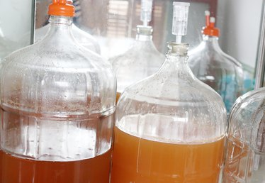 How to Use an Air Lock to Ferment Beer