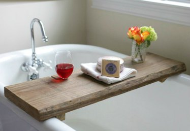 Easy to Make Reclaimed Wood Bath Caddy