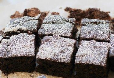 Flourless Black Bean Fudge Brownies