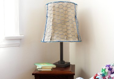 How to Make a Chicken Wire Lampshade
