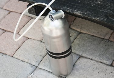 How to Make a Fake Oxygen Tank