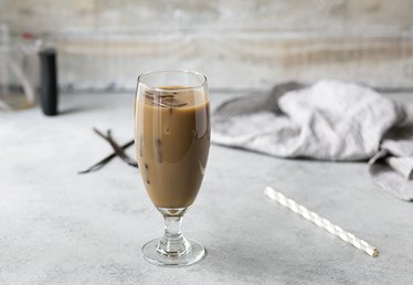 Recipe for How to Make a Delicious Vanilla Iced Coffee