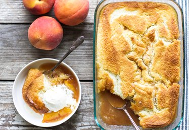 Delicious Homemade Peach Cobbler Recipe