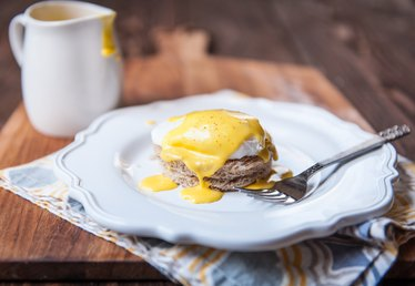 Easy to Make Hollandaise Sauce Using a Blender