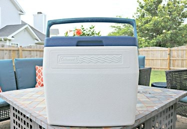 How to Clean and Deodorize a Cooler