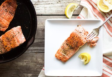 How to Cook Salmon on the Stove