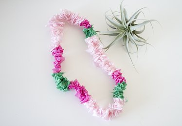How to Make a Sweet Flower Lei Necklace From Tissue Paper