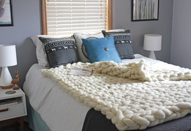 How to Hand Knit a Blanket Tutorial