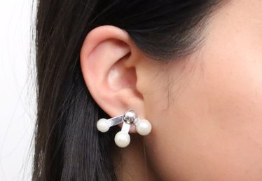 DIY Sputnik-Inspired Pearl Earrings