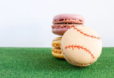 How to Decorate Sports-Themed Macarons