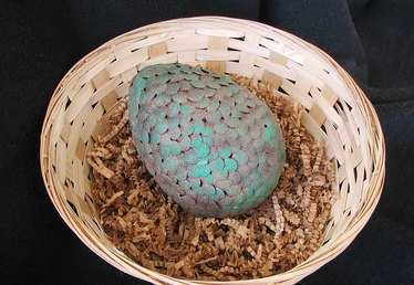 How to Make a Game of Thrones Inspired Dragon Egg