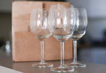 How to Pack Your Wineglasses