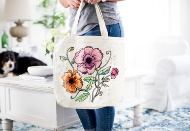How to Make a Canvas Bag You Can Color On
