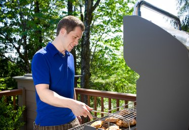 Outdoor Grilling: Gas or Charcoal?