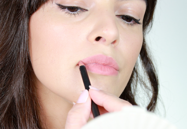 The Easiest Way to Fake Fuller Lips à la Kylie Jenner