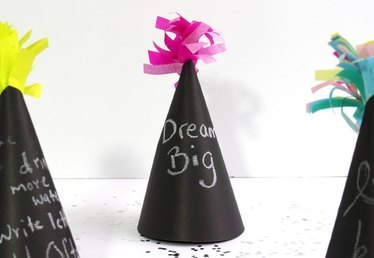 How to Make New Year's Resolution Party Hats
