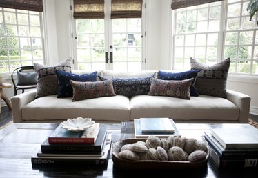 4 Tips for Choosing the Right Sofa