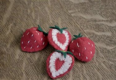 How to Make Felt Strawberry Slices
