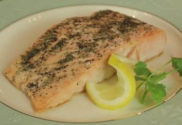 How to Bake Salmon in the Oven