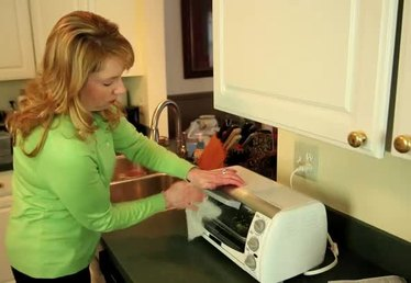 How to Use a Toaster Oven Safely