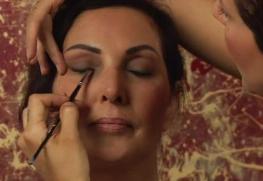 How to Do Eye Makeup for Over 50