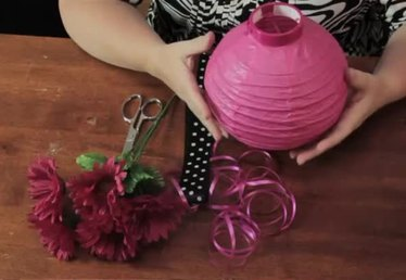 Decorating Paper Lanterns for Table Centerpieces