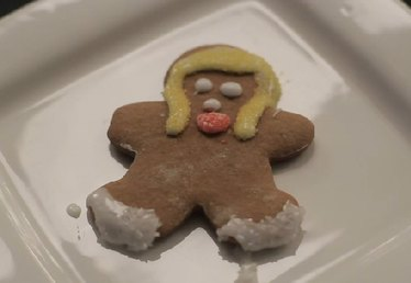 How to Make a Gingerbread Girl in Steps