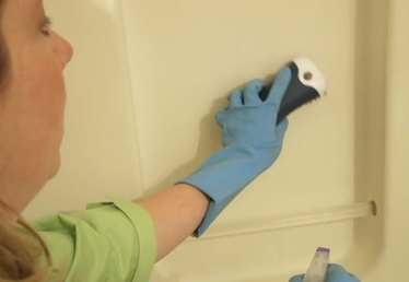 Cleaning Solutions for Acrylic Showers
