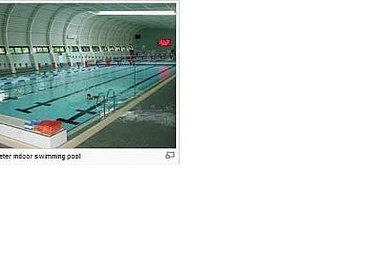 How to Use the Swimming Pool for an Abdominal Workout