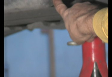 How to Loosen the Oil Drain Plug