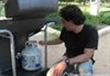 Installing & Connecting a Propane Tank to your Gas Grill