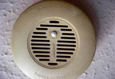 How to Locate the Best Spot to Install a Smoke Detector