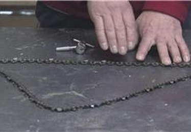 How to Shorten the Chain on a Chainsaw