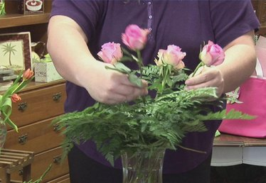 How to Make Funeral Flower Arrangements