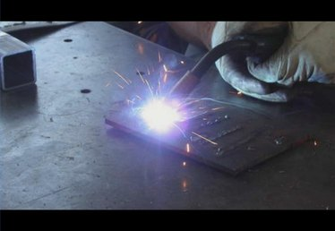 What Is the Difference Between TIG & MIG Welders?