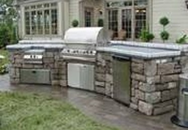 How to Design an Outdoor Kitchen Roof