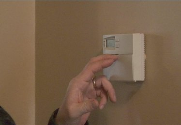 How to Adjust Your Thermostat
