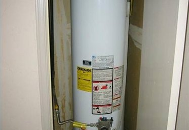 How to Clean a Hot Water Heater Element