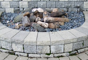 How to Use Granite Around a Fire Pit