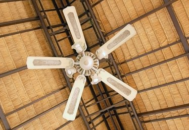 How to Repair a Ceiling Fan Light