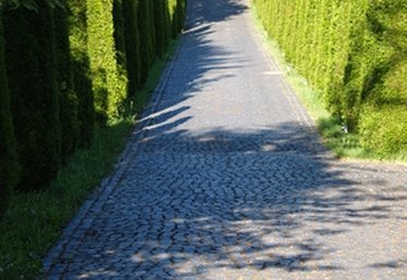 How to Estimate Gravel for a Driveway