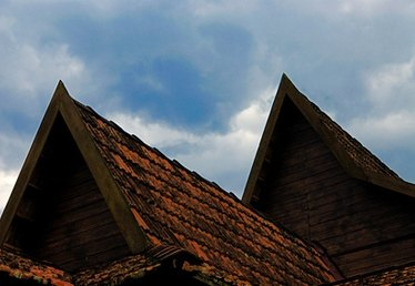 How to Remove Asbestos Roof Tiles